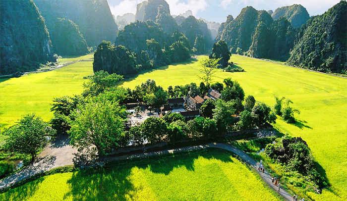 Tour Hoa Lư Tràng An 1 Ngày