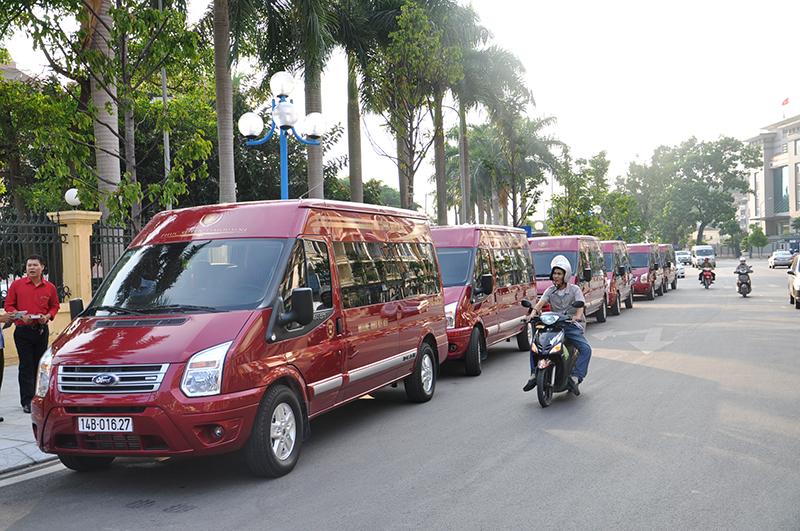 Cho thuê xe Dcar Limousine giá rẻ tại Hà Nội